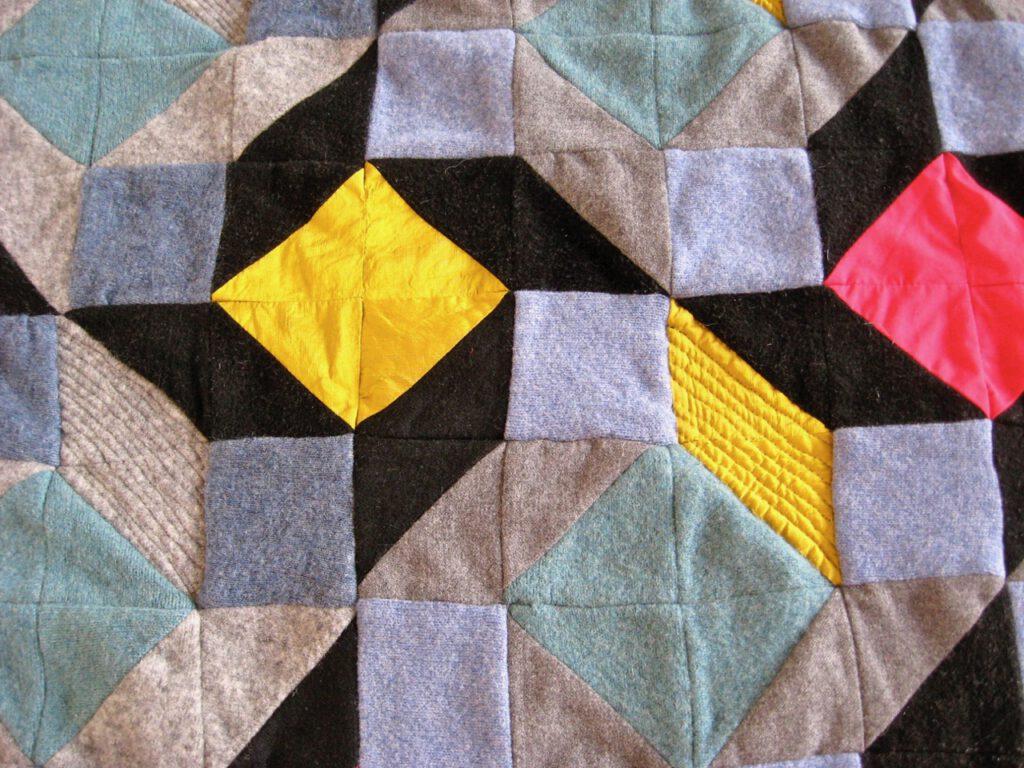 Drei alte Pullover und ein bisschen Sonnenglanz Quilt Detail (Textilrecycling)